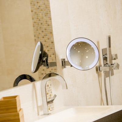 Cosmos miroir lumineux hotel